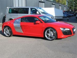 Audi_R8_V10_m[1]