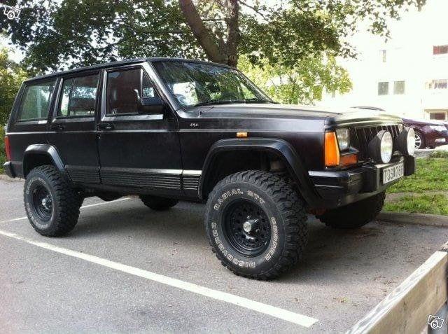 Jeep_Cherokee_1994_m[1]