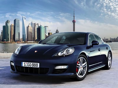 Porsche_Panamera_Turbo_m[1]