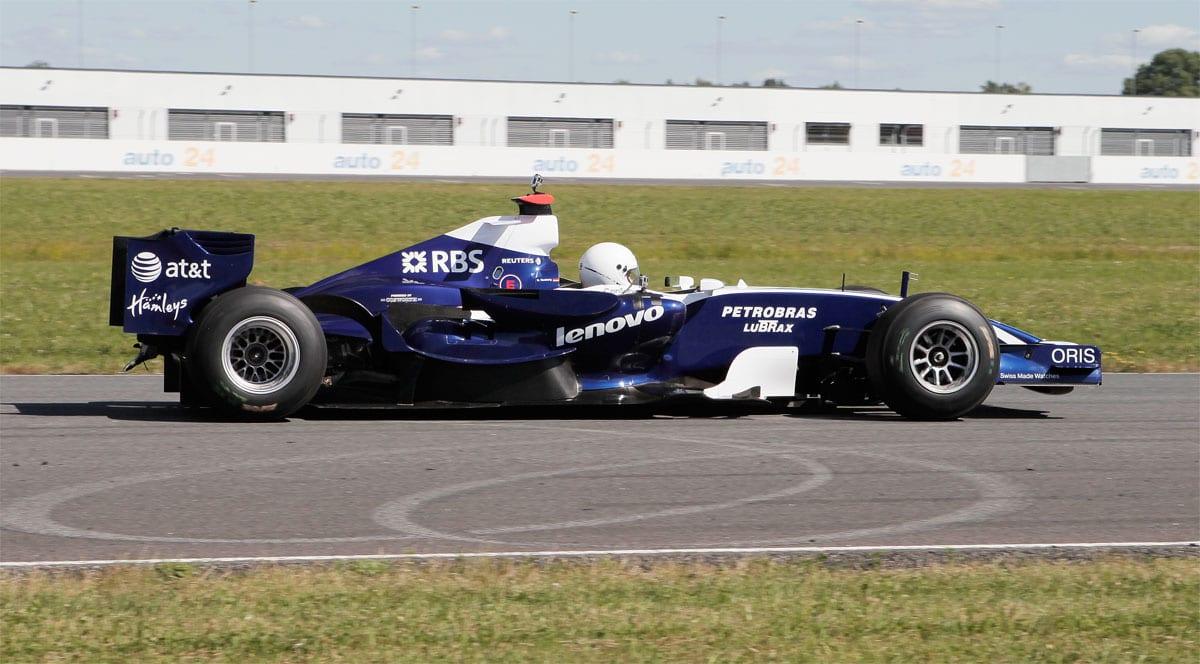 F1_Williams_FW29_2007-on-track